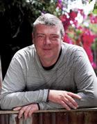 Dr Claus Mueller